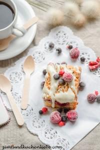 Beerenkuchen mit Zimtstreuseln & Creamcheesefrosting