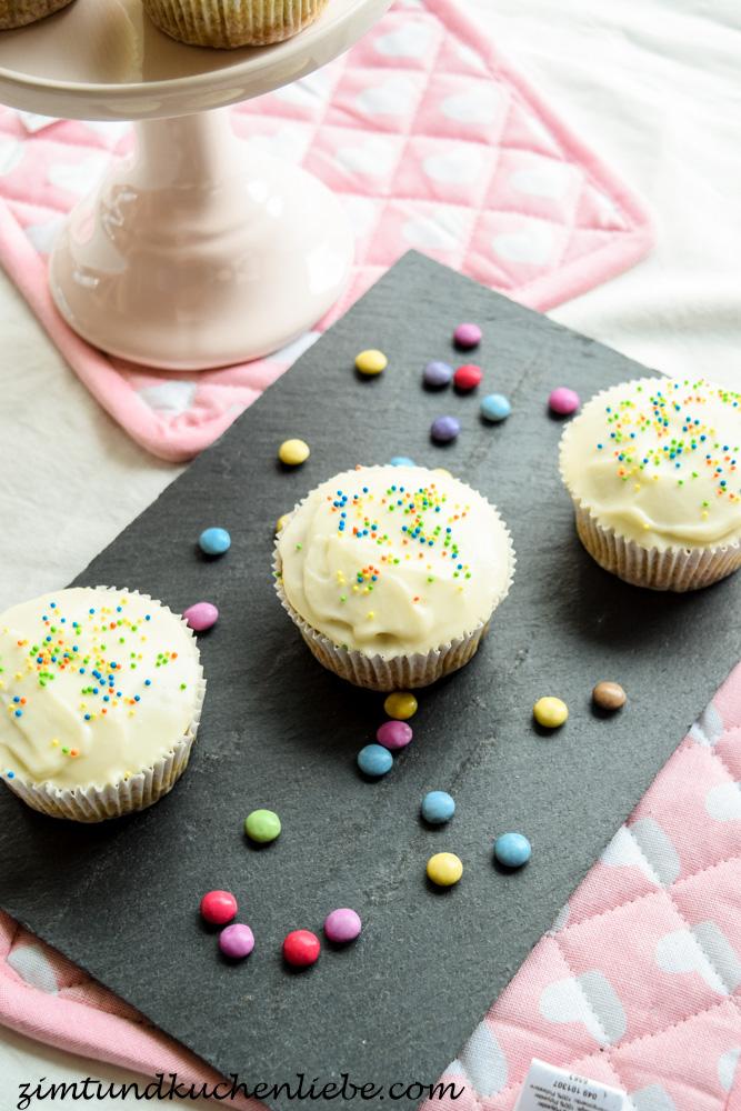 Uberraschungs Cupcakes Mit Smarties