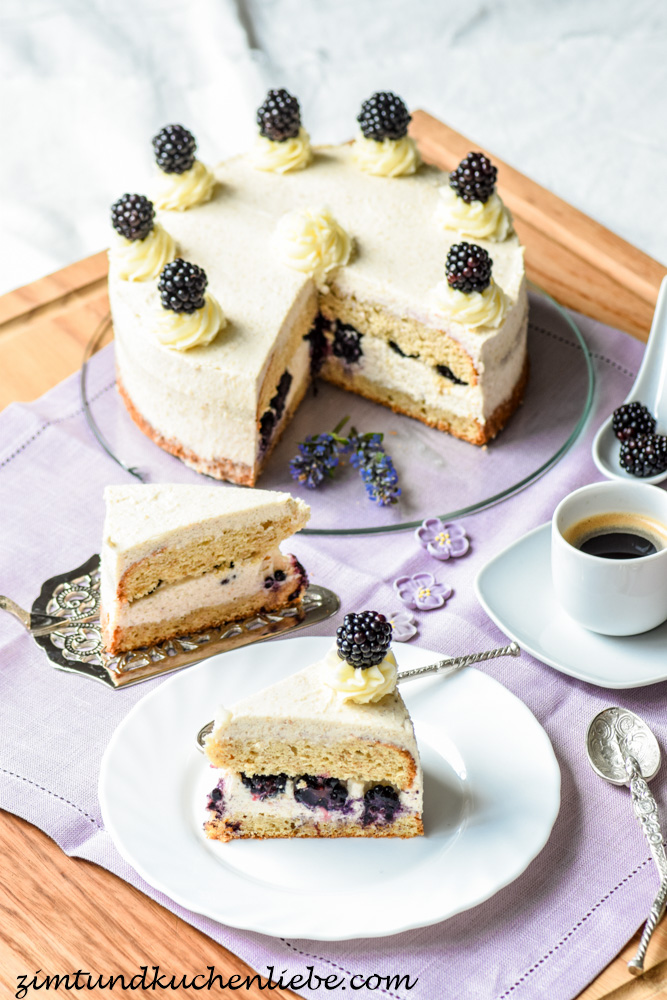 cini mini s zimt torte mit brombeeren 1 blogbirthday. Black Bedroom Furniture Sets. Home Design Ideas